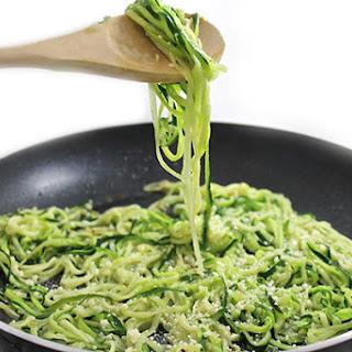 Skinny Garlic Parmesan Zoodles.