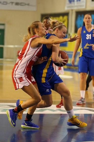 Lavezzini Basket Parma - Meccanica Nova Vigarano 77-73 (42-39)