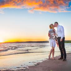 Wedding photographer Yuliya Burina (burina). Photo of 17.07.2017