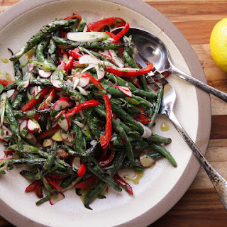 Grilled Green Bean Salad With Red Peppers and Radishes