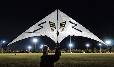 Photo: This is the non-HDR version of the kite.