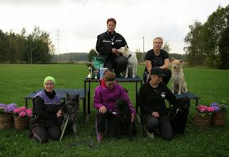 Photo: Maija ja Pava, Nina ja Helmi, Terhi ja Ihku, Iitu jaVeikko, Aino ja Vinka