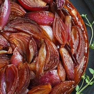 Red Onion Tarte Tatin [Vegan].