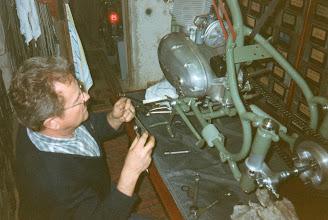 Photo: Motor eingebaut, einen orginalen Seitenständer haben wir auch noch gefunden