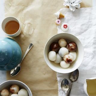 Sweet Sticky Rice Balls in Soup (Yin-Yang Tong Yuan)