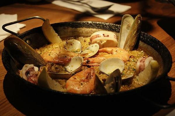 Go eat Tapas Dining BAR 西班牙餐酒館/超優美食/蒜味橄欖油鮮蝦法國麵包/墨魚汁烤飯/奶香吐司佐干白蘭地冰淇淋