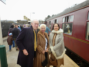 Photo: Kenneth, Amaryllis and Mia on our arrival at Buxton Spa