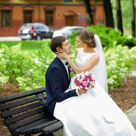 Wedding photographer Emma Kuzina (emmakuzina). Photo of 19.01.2018
