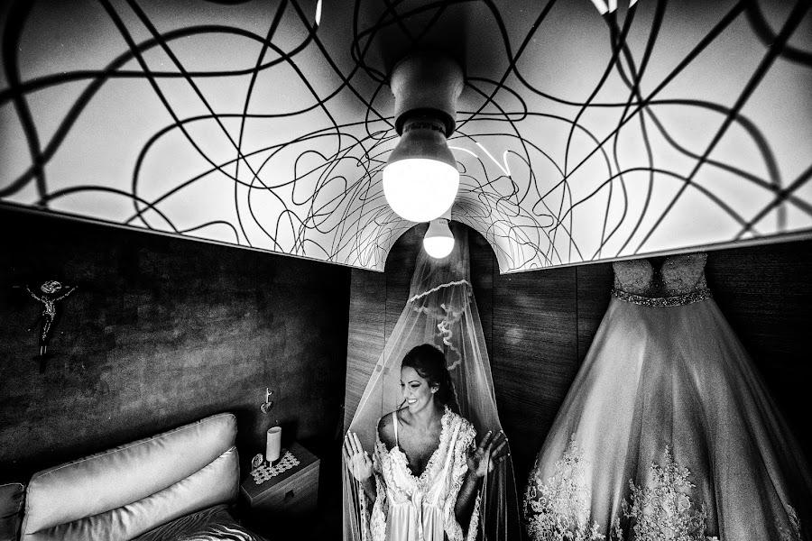 Wedding photographer Giuseppe Genovese (giuseppegenoves). Photo of 03.08.2016