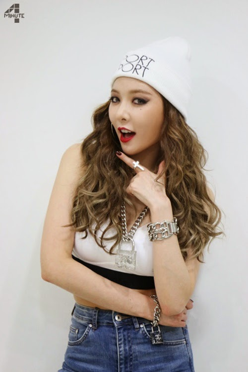 hyuna-4minute-crazy-hair-hyuna-evolution-hairstyles-for-girls-curly-kpopstuff