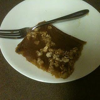 Crustless Pumpkin Pie with an Almond Butter Oat Crumble.