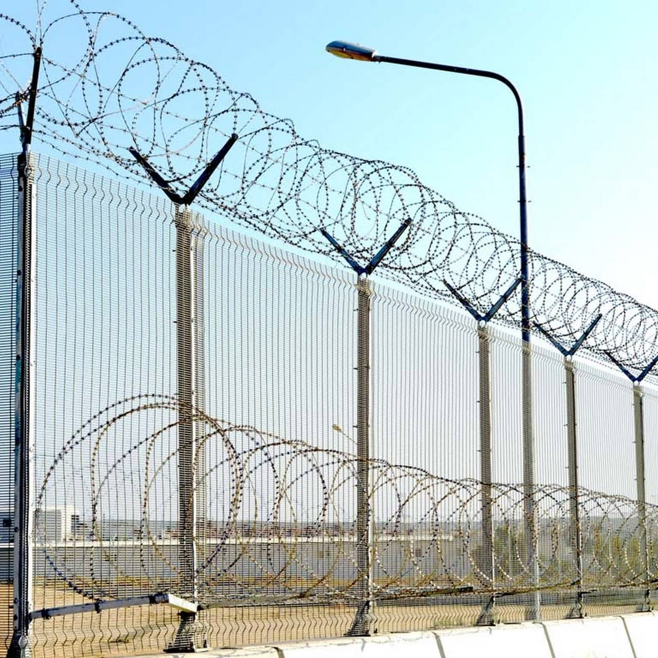 Shiva Engineering Co. - Manufacturer of Concertina Coil Fencing ...