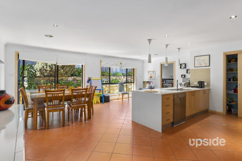 Photo of property at 13 Stonehaven Circuit, Queanbeyan East 2620