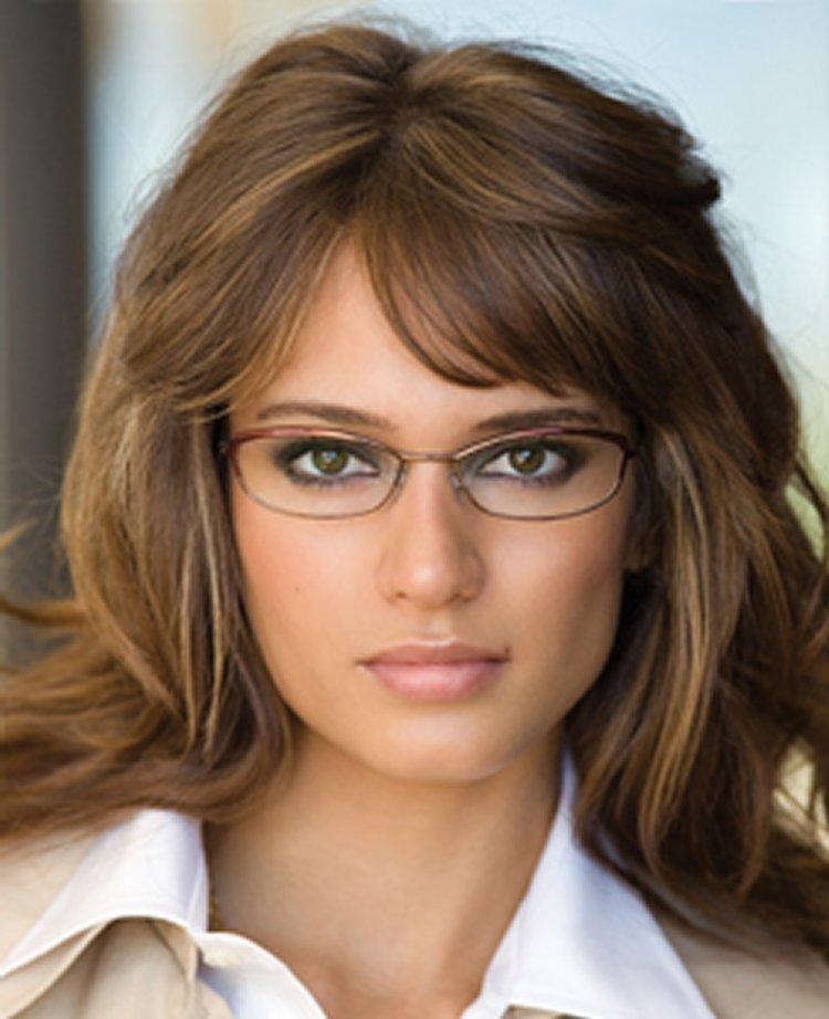http://cutemakeupideass.com/wp-content/uploads/2014/12/smokey-eye-makeup-for-glasses.jpg