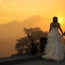 Wedding photographer Vik Voynikova (lilloolla5). Photo of 26.04.2015
