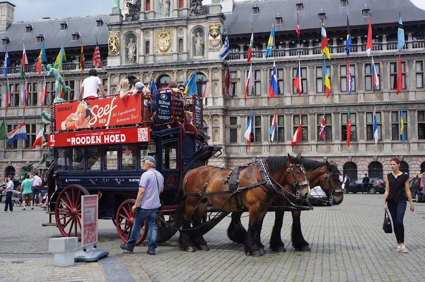 Near the Grote Markt, Antwerpen, Belgium (2014)