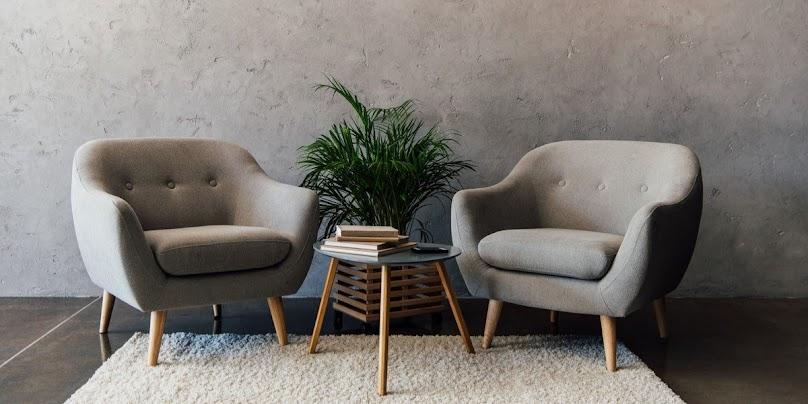 Renowacja starego mebla tapicerskiego - na czym polega?