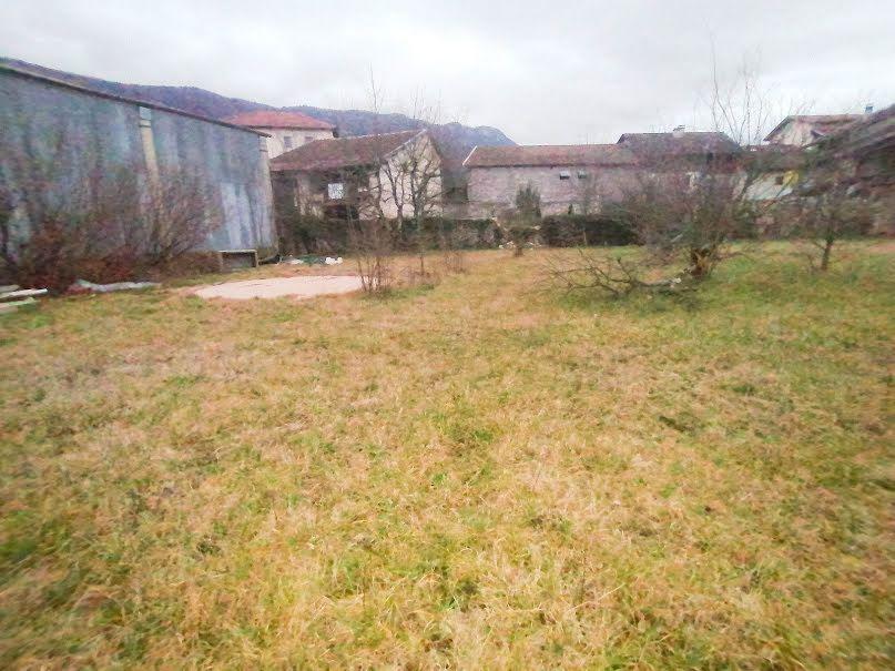 Vente terrain  575 m² à Saint-Jean-en-Royans (26190), 63 000 €