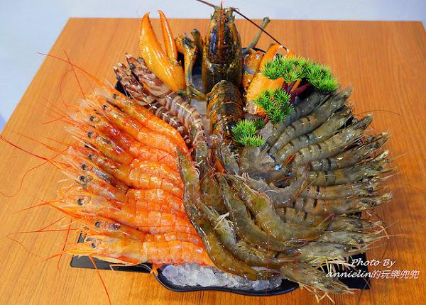 台北(景美) 濟鴻火鍋-蝦到飽~海陸全都包不只龍蝦活跳跳,還有頂級安格斯牛,伊比利豬...完全沒再怕你吃!