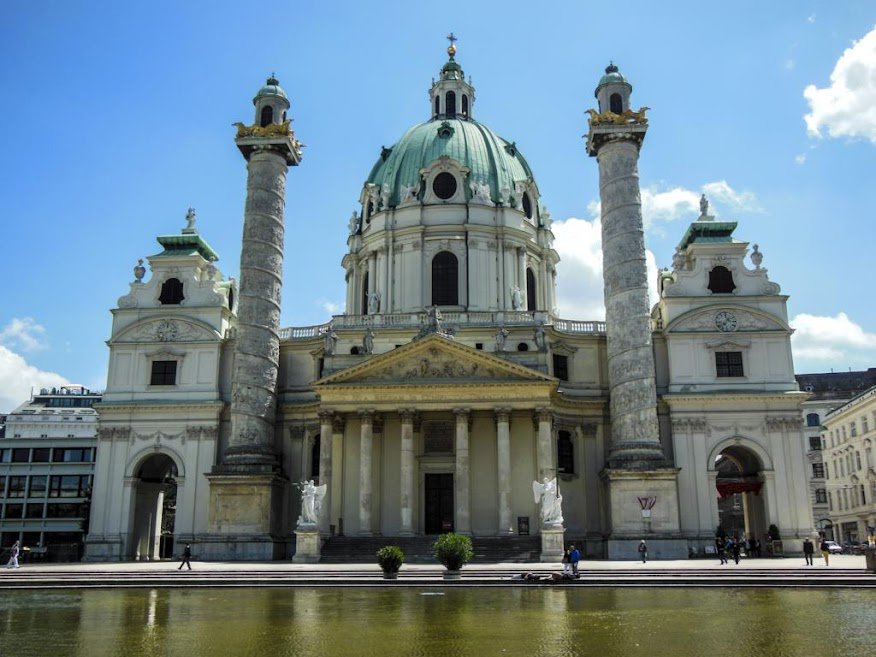 Iglesia de San Carlos Borromeo (Karlskirche).
