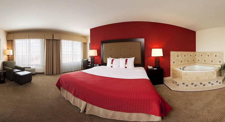 Holiday Inn Hotel & Suites Waco Northwest