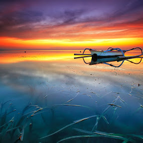 The Horizon by Agoes Antara - Transportation Boats