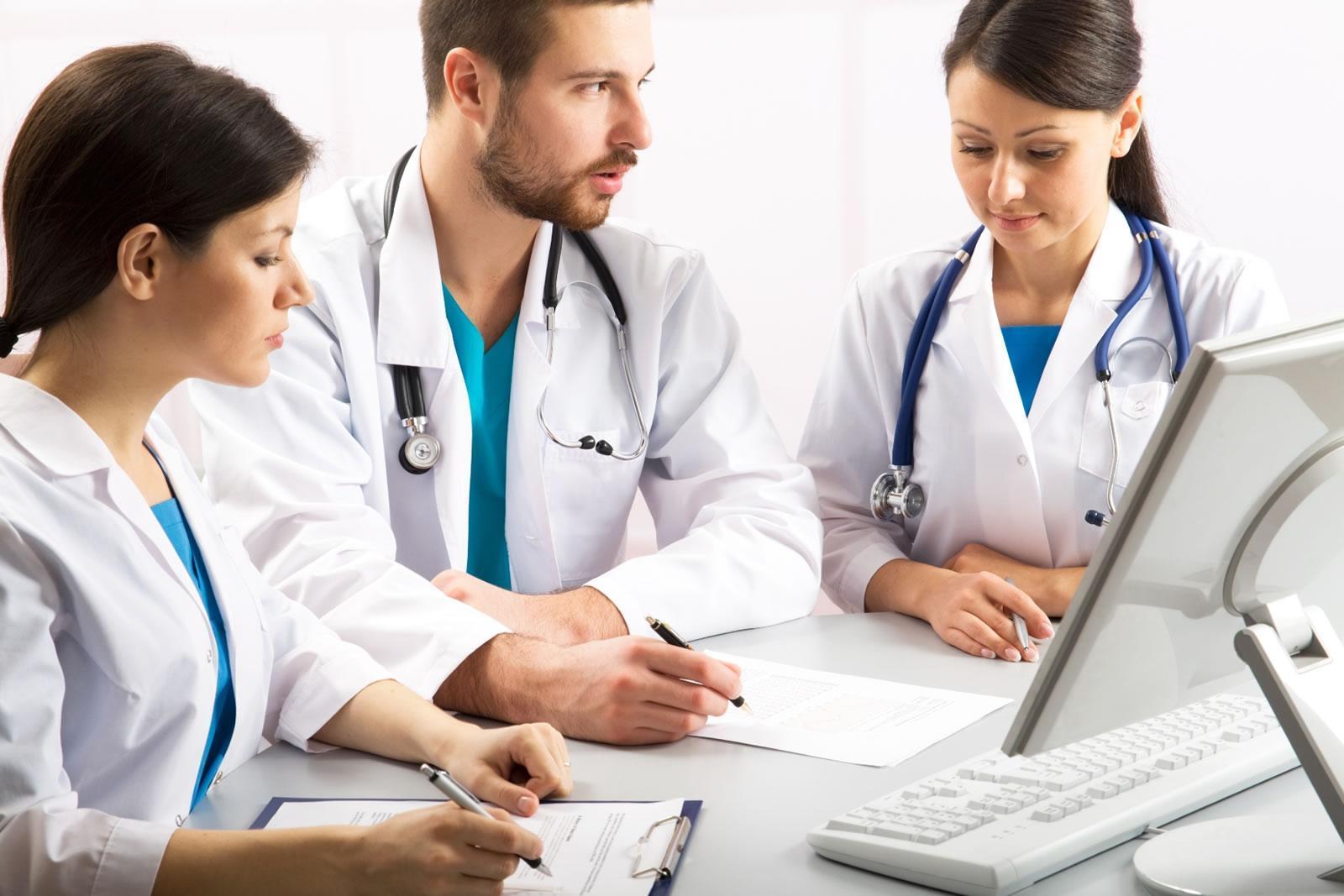 https://www.veritasprocure.co.uk/wp-content/uploads/2010/08/Clinical-Training-2.jpg