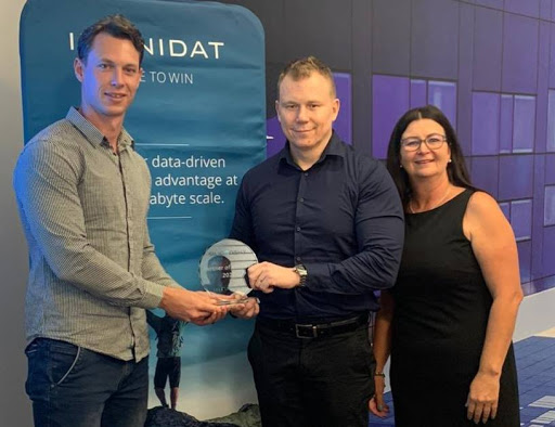 Left to right: Brenton Halsted, Managing Director at Silicon Sky; Lourens Sanders at Infinidat; Adele Wood, Infinidat Business Development Manager, Pinnacle.