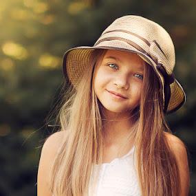 Suzana by Anna Anastasova - Babies & Children Child Portraits ( girl child, girl, child photography, child portrait, beauty )