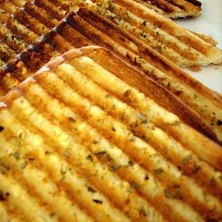 Grilled Garlic Bread-Grilled Garlic Toast