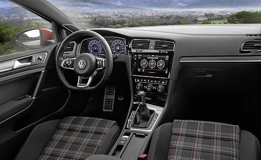 The interior can be equipped with the new digital instrument display and Discovery Pro navigation touchscreen.     Picture: VOLKSWAGEN