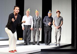 Photo: Wien/ Theater in der Josefstadt: KAFKA - EIN PROJEKT VON ELMAR GOERDEN. Premiere 25.4.2015. Regie: Elmar Goerden. Maria Köstlinger, Toni Slama, Andre Pohl, Peter Kremer, Alexander Absenger. Foto: Barbara Zeininger