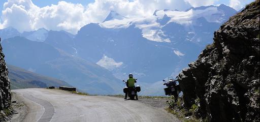 Alpes à moto avec France Moto Voyages