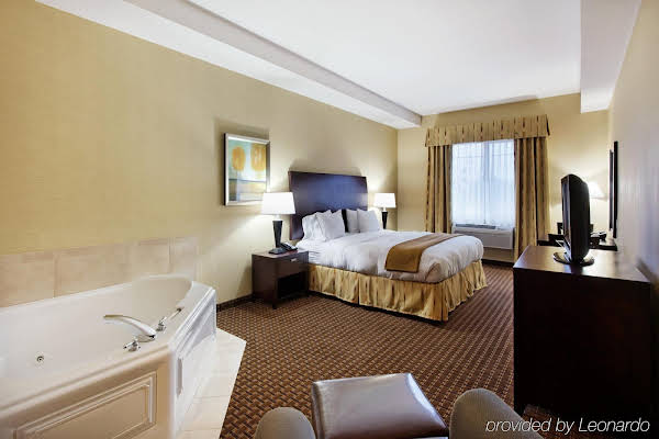 Holiday Inn Express Newport