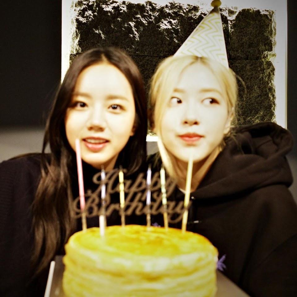 hyeri rose friends 2