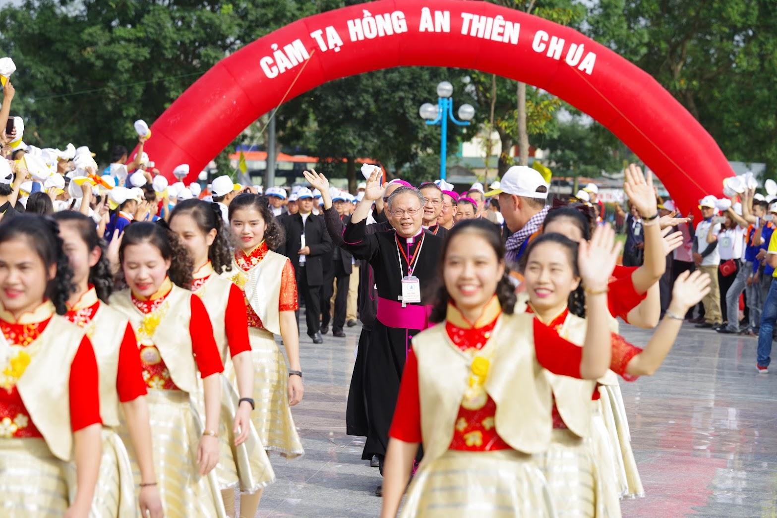 Những hình ảnh đẹp về lễ khai mạc Đại Hội Giới Trẻ giáo tỉnh Hà Nội lần thứ XV tại Thanh Hóa - Ảnh minh hoạ 10