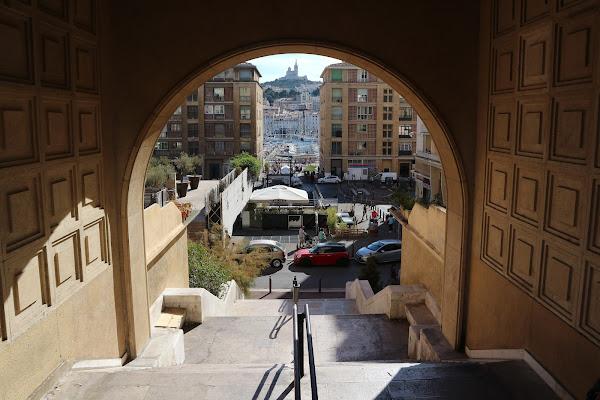 Canale visivo verso Notre Dame De La Garde di cristiansantoro95