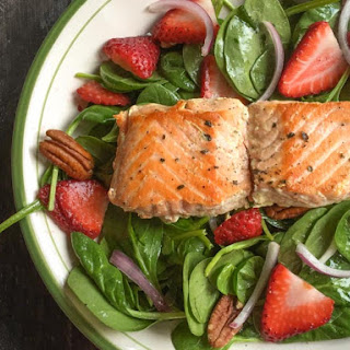 Strawberry Salmon Salad & Ginger Dressing