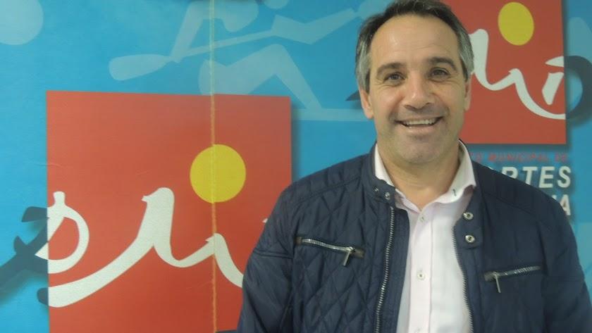 Juanjo Segura posa para LA VOZ en el PMD.