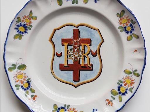 Assiette aux armoiries de Rambervillers
