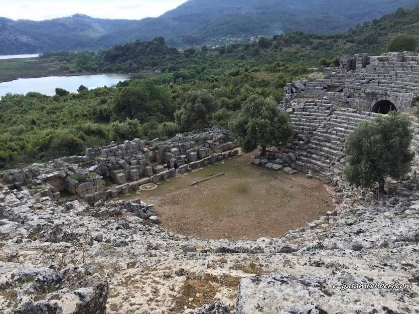 kaunos antik kenti tiyatro