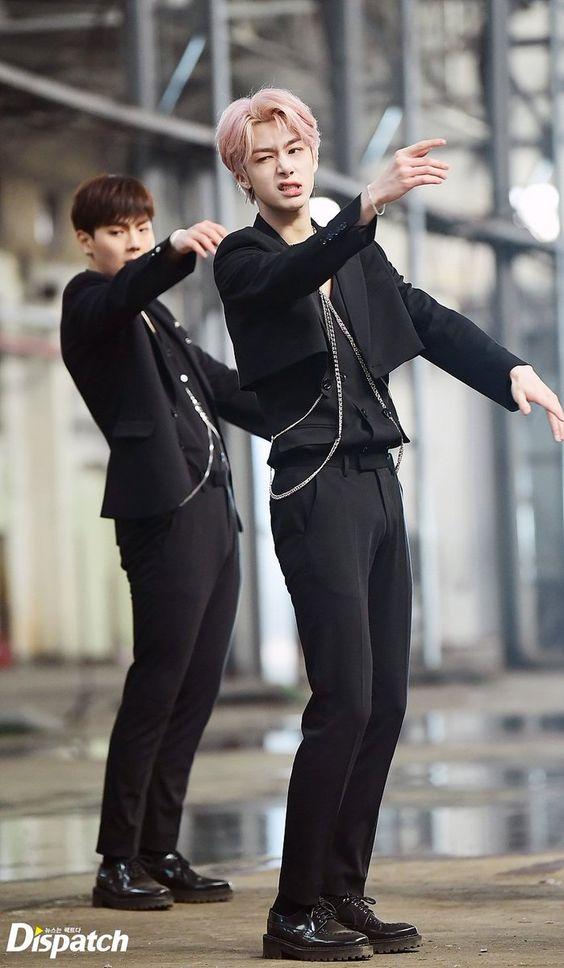 hyungwon body 9
