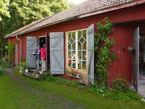 Photo: Kahvia juotiin sekä ulkona että sisätiloissa.