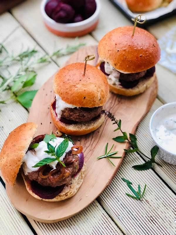 Homemade Burgers With Mint And Cumin Yogurt Sauce Recipe