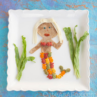 Mermaid Lunch with Goldfish Crackers