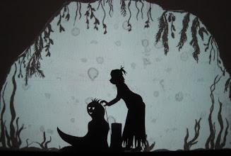 Photo: die Schwestern: Adelheid mit dem Wasserneck