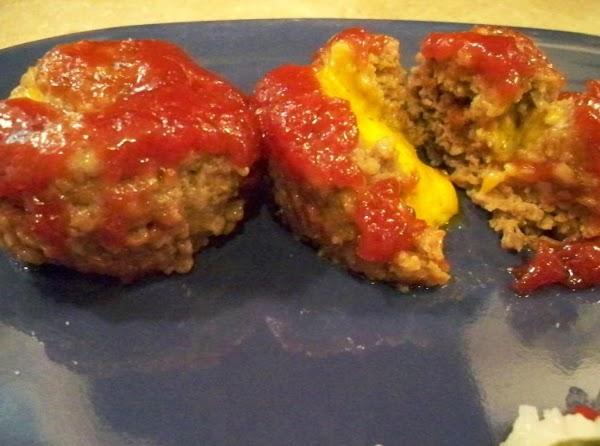 Mini Cheese-stuffed Meatloaves Recipe