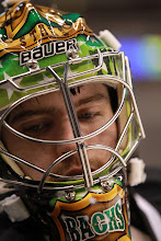 Photo: DALLAS, TX - DECEMBER 19:  Richard Bachman #31 of the Dallas Stars at American Airlines Center on December 19, 2011 in Dallas, Texas.  (Photo by Ronald Martinez/Getty Images) *** Local Caption *** Richard Bachman