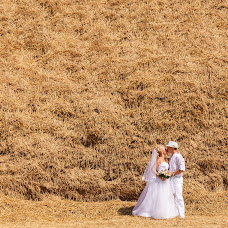 Wedding photographer Denis Kolesnichenko (DeZZ). Photo of 04.09.2014