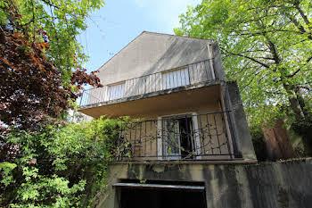 Maison 7 pièces 237 m2